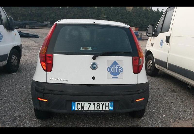 targa-CW718YH-Fiat-Punto-Van-1
